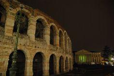 Hora do Planeta 2013, no anfiteatro Arena de Verona, Praça Bra em Verona, região do Vêneto, Itália. Iniciativa da WWF.  Fotografia: Paolo Villa.