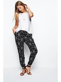 love this type of pant for summer- added a couple to my wardrobe already!