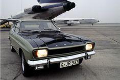 Afbeeldingsresultaat voor ford capri production line Ford Capri, Fiat 600, Mk1, Hot Wheels, Vintage Cars, Automobile, Europe, Trucks, Vehicles