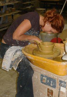 Keramiek workshop's en pottenbakken in Frankrijk. Workshop, Painting, Art, Art Background, Atelier, Work Shop Garage, Painting Art, Kunst, Paintings
