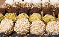 Hast du schon mal Energiekugel Rezepte probiert? Energyballs sind zucker-, laktose-, & glutenfrei. Das sind 11 leckere Rezepte für gesunde Pralinen