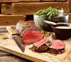 Pikant gewürzt und schonend gegart kommt dieser Braten wunderbar zart vom Grill auf den Teller.