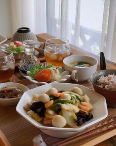 【中華の献立】夕食のレパートリーが増えるボリューム満点メニュー特集☆   folk Japanese Food, Food And Drink, Healthy Recipes, Meals, Fruit, Cooking, Places, Instagram, Gourmet