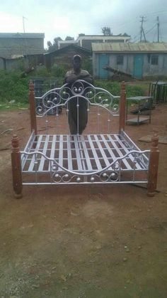Welding art example making process, which will be so beautiful! Grill Gate Design, Front Gate Design, Window Grill Design, Door Gate Design, Welded Furniture, Iron Furniture, Steel Furniture, Steel Bed Design, Steel Bed Frame