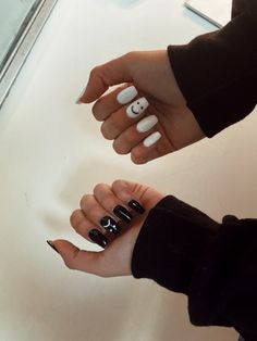 Acrylic Nails Coffin Short, Simple Acrylic Nails, Best Acrylic Nails, Summer Acrylic Nails, Acrylic Nail Designs, Edgy Nails, Stylish Nails, Swag Nails, Grunge Nails