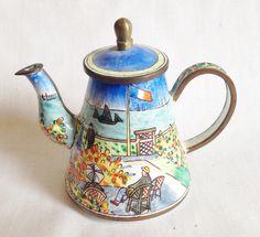 Garden At Senite miniature teapot