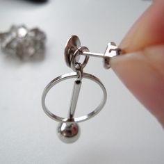お花の透かしパーツを組み合わせて、立体的な円盤型のパーツを作りました。正面から見ると、絞り出しクッキーのようにも見えます。... Blog Entry, Silver Rings, Jewelry, Jewlery, Jewerly, Schmuck, Jewels, Jewelery, Fine Jewelry