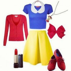 DIY Snow White Costume (apple necklace and collar) Disney Halloween, Homemade Halloween Costumes, Halloween Diy, Diy Snow White Costume, White Costumes, Costumes For Teens, Disney Costumes, Disney Dresses, Disney Outfits