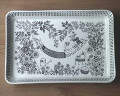 Arabia of Finland Emilia Large Serving Tray in Pottery, Glass, Pottery, Porcelain, Arabia Nordic Design, Scandinavian Design, Shopping Places, China Painting, Ceramic Design, Ceramic Artists, Old Antiques, Vintage Walls, Finland