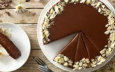 Čokoládovo-orechová torta Delala jsem ho do 28cm formy z 1 1/2 davky.