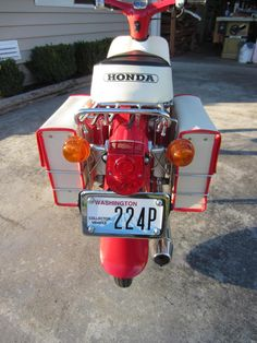 """I love the """"Adventure Touring"""" style look of this build! Here is my 81 passport I turned into a Cub Relocated the turn signals in the front and rear, small Honda tail light and saddle bags from Thai Land! Small Motorcycles, Honda Motorcycles, Honda Passport, Honda Cub, Mini Bike, Cubbies, Motorbikes, Touring, Body Parts"""
