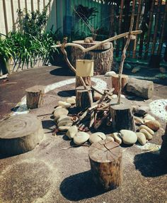 Loose parts in the playground