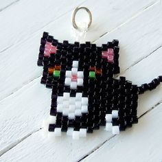 Black and White Tuxedo Cat Charm / Pendant, Seed Bead Animal Jewelry, Peyote Stitch Bead Weaving, Handmade Jewelry Component