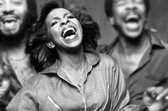About Gladys Knight & Ron's Chicken and Waffles Restaurant