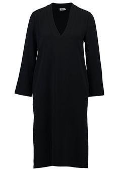 Filippa K Freizeitkleid black Premium bei Zalando.de | Material Oberstoff: 82% Triacetat, 18% Polyester | Premium jetzt versandkostenfrei bei Zalando.de bestellen!