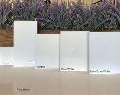 White Kitchen Counters, Quartz Kitchen Countertops, White Countertops, White Kitchens, Beautiful Home Designs, Beautiful Homes, Quartz Vanity Tops, Quartz Slab, Mosaic Backsplash