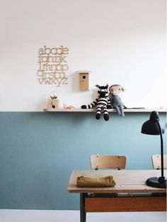 Half high and teal. A beautiful wall in the child's room. Informations About Halb hoch und blaugrün. Eine schöne Wand im Kinderzimmer. Deco Kids, Kids Room Paint, Room Kids, Kid Desk, Kid Spaces, New Room, Girl Room, Room Inspiration, Workspace Inspiration