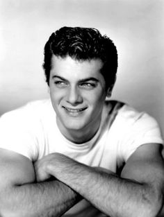 For the consideration of Pinterest viewers, I present..Mr. Tony Curtis!