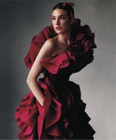Jacquelyn Jablonski by Victor Demarchelier for Harper's Bazaar US (November 2012). Giambattista Valli Haute Couture dress.