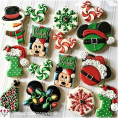 Looking for some festive cookies your kiddos will love this Christmas? These spectacular Disney themed cookies are sure to be a hit! made by You Can Call Me Sweetie. Fun and Festive Holiday Disney Cookies was last modified: March 2017 by Jennifer Christmas Sugar Cookies, Christmas Cupcakes, Christmas Sweets, Christmas Goodies, Christmas Baking, Iced Cookies, Cupcake Cookies, Cookies Decorados, Mickey Mouse Christmas