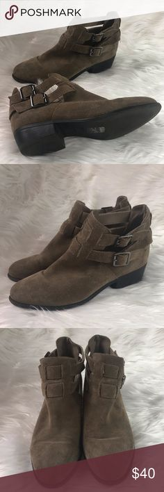 6eb88f78d11c Topshop Ankle Booties Dark tan ankle booties Chelsea style ankle boots  Buckle details Size 5 UK