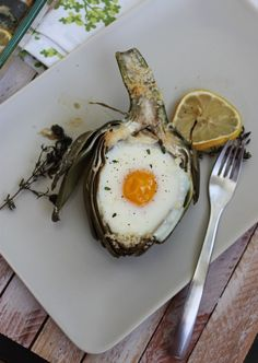 Although not vegan, certainly pesca-vegetarian friendly! Artichoke baked egg.