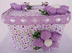 POTES DE SORVETE - Pesquisa Google Bottle Box, Pop Bottles, Milk Cans, Pretty Box, Altered Boxes, Sewing Box, Clay Pots, Christmas Printables, Glass Jars