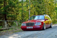 Mercedes-Benz S124 RED Stance Style | BENZTUNING | Performance and Style