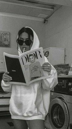 Gray Aesthetic, Black And White Aesthetic, Bad Girl Aesthetic, Aesthetic Images, Aesthetic Collage, Aesthetic Backgrounds, Black And White Picture Wall, Black And White Pictures, Bedroom Wall Collage