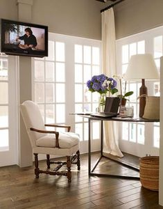 Country Kitchen Ideas from Ina Garten - House Beautiful how to incorporate a nook/work corner in the kitchen? Barn Kitchen, Country Kitchen, Kitchen Decor, Kitchen Ideas, Diy Kitchen, Vintage Kitchen, Kitchen Planning, Kitchen Cabinets, Kitchen Office