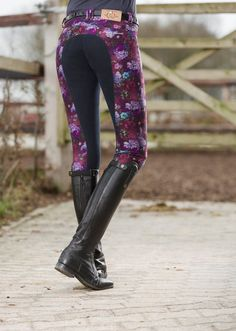 The most important role of equestrian clothing is for security Although horses can be trained they can be unforeseeable when provoked. Riders are susceptible while riding and handling horses, espec… Equestrian Boots, Equestrian Outfits, Equestrian Style, Equestrian Fashion, Horse Fashion, Horse Riding Clothes, Riding Gear, Horse Clothing, Horse Riding Boots