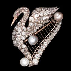Victorian Natural Pearl And Diamond Swan/Harp Brooch Mounted In Gold And Silver. ~ I love vintage brooches. Swan Jewelry, Bird Jewelry, Animal Jewelry, Pearl Jewelry, Jewelry Design, Crystal Jewelry, Jewelry Art, Silver Jewelry, Jewellery