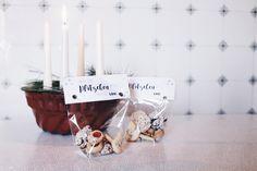 Plätzchen verschenken? Mit dieser hübschen Verpackung für eure selbst gebackenen Plätzchen geht das wunderbar! Inkl. Freebie zum Drucken.