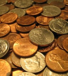 How To Make An SHTF Battery Out Of The Loose Change In Your Pocket   http://www.thegoodsurvivalist.com/how-to-make-an-shtf-battery-out-of-the-loose-change-in-your-pocket/  #thegoodsurvivalist