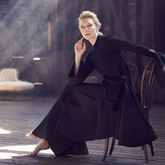 """ralfbayer: """"Cate Blanchett, photographed by Will Davidson for Vogue Australia, December 2015 """" Cate Blanchett, Annie Leibovitz, Photography Poses, Fashion Photography, Glamour Photography, Lifestyle Photography, Editorial Photography, Robert Mapplethorpe, Business Portrait"""