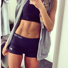 shes got a perfect body! i hope i can work hard enough too look that good after babys born!!! (motivation!!)