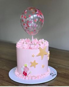 Gorgeous Peppa Pig cake by – Edible Image Software 2nd Birthday Cake Girl, Peppa Pig Birthday Cake, Peppa Pig Cakes, Peppa Pig Balloons, Piggy Cake, Little Pony Cake, Balloon Cake, Girl Cakes, Themed Cakes