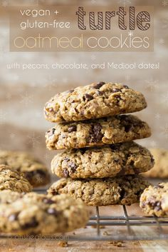 """Vegan """"Turtle"""" Oatmeal Cookies with Pecans, Chocolate, and Medjool Dates!"""