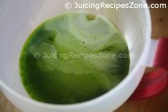 Juicing Recipe 2 - Cucumber Celery Kale Juice | Juice in container - beautiful shades of natural green colors | www.juicingrecipeszone.com Cucumber Juice, Celery Juice, Kale Juice Recipes, Healthy Recipes, All Vegetables, Organic Vegetables, Vitamin K, Beta Carotene, Juicing