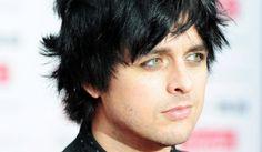 A los 16 años, el hijo de Billie Joe Armstrong muestra su música
