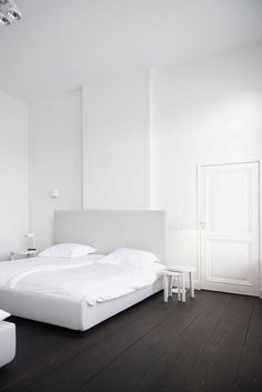 Perfectly monochrome apartment by Studio Niels | NordicDesign