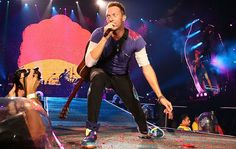 Ready to rock: Coldplay kicked off their A Head Full of Dreams tour on Monday in Brisbane Beautiful World Lyrics, Coldplay Tour, New Christmas Songs, Chris Martin, Great Bands, Book Worms, Charity, Addiction, Singer