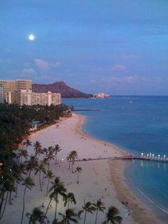 Hilton Hawaiian Village #Waikiki #Hawaii  Been here & it's very laid back & relaxing