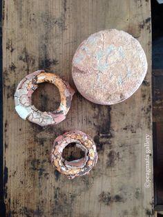 """""""Saturn's Rings"""" Ceramic objets by Yuji Ueda.   「土星の環」 上田勇児さんの陶芸。"""
