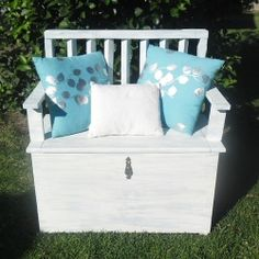 #upcycle an old toy box and gate to create this bench #DIY !  @Looksi Square  #withablast