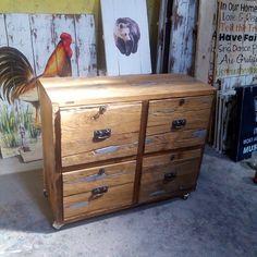 drawer, kayu jati lawas, size p:90cm, l: 35cm, t:70cm. #drawers #industrialdesign #alldecos #kembangsqr #reclaimwood #jogjafurniture #interiordesign #mebelmurahjogja #indonesiafurniture #design