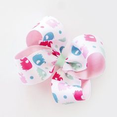 Looking for DIY arts and crafts guidance? We offer tips and tutorials for creating bows and unique designs to better accessorize clothing, gifts, and home decor. Hair Bow Tutorial, Flower Tutorial, Boutique Bow Tutorial, Cheerleading Hair Bows, Cheerleading Stunting, Diy Hair Mask, Best Bow, Diy Bow, Boutique Bows