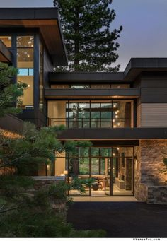 The Death of Contemporary Architecture awesome Contemporary Architecture Help! Architecture has ever been part of human life from early periods. Contemporary architecture totally is dependent upon . Modern Architecture House, Architecture Design, Modern Home Exteriors, Modern House Facades, Architecture Wallpaper, Minimalist Architecture, House Exteriors, Interior Modern, Modern Exterior
