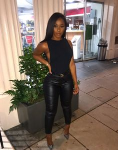 Black Beauties Dripping Outfits - Going out outfits for college - Night Outfits, Chic Outfits, Sexy Outfits, Trendy Outfits, Fall Outfits, Summer Outfits, Fashion Outfits, Black Outfits, Jeans Fashion