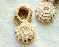 Baby Booties Crochet Pattern Simply Summer by TwoGirlsPatterns